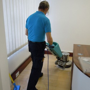 servicemaster_clean_vinyl_floor_cleaning